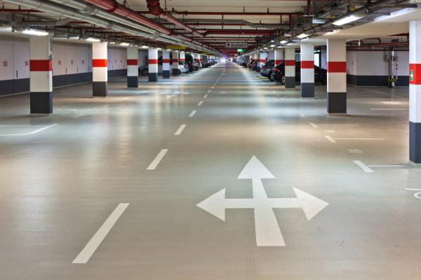 Strassenmarkierfarbe - Betonboden streichen